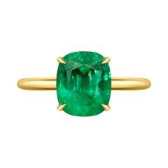 4 Carat Intense Green Natural Emerald 18 Karat Yellow Yellow Gold Ring