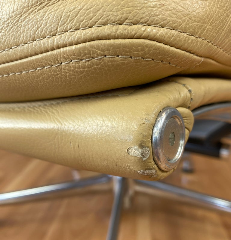 4 Cushion Eames Soft Pad Lounge Chair for Herman Miller in Leather 5