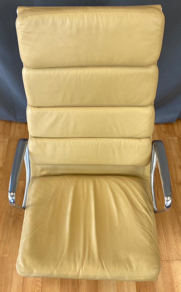 4 Cushion Eames Soft Pad Lounge Chair for Herman Miller in Leather 2