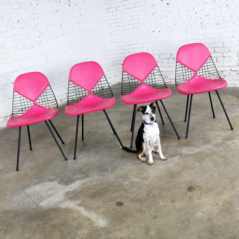 4 DKX-2 Wire Bikini Shell Chairs X Bases Hot Pink Bikinis Eames Herman Miller In Good Condition For Sale In Topeka, KS