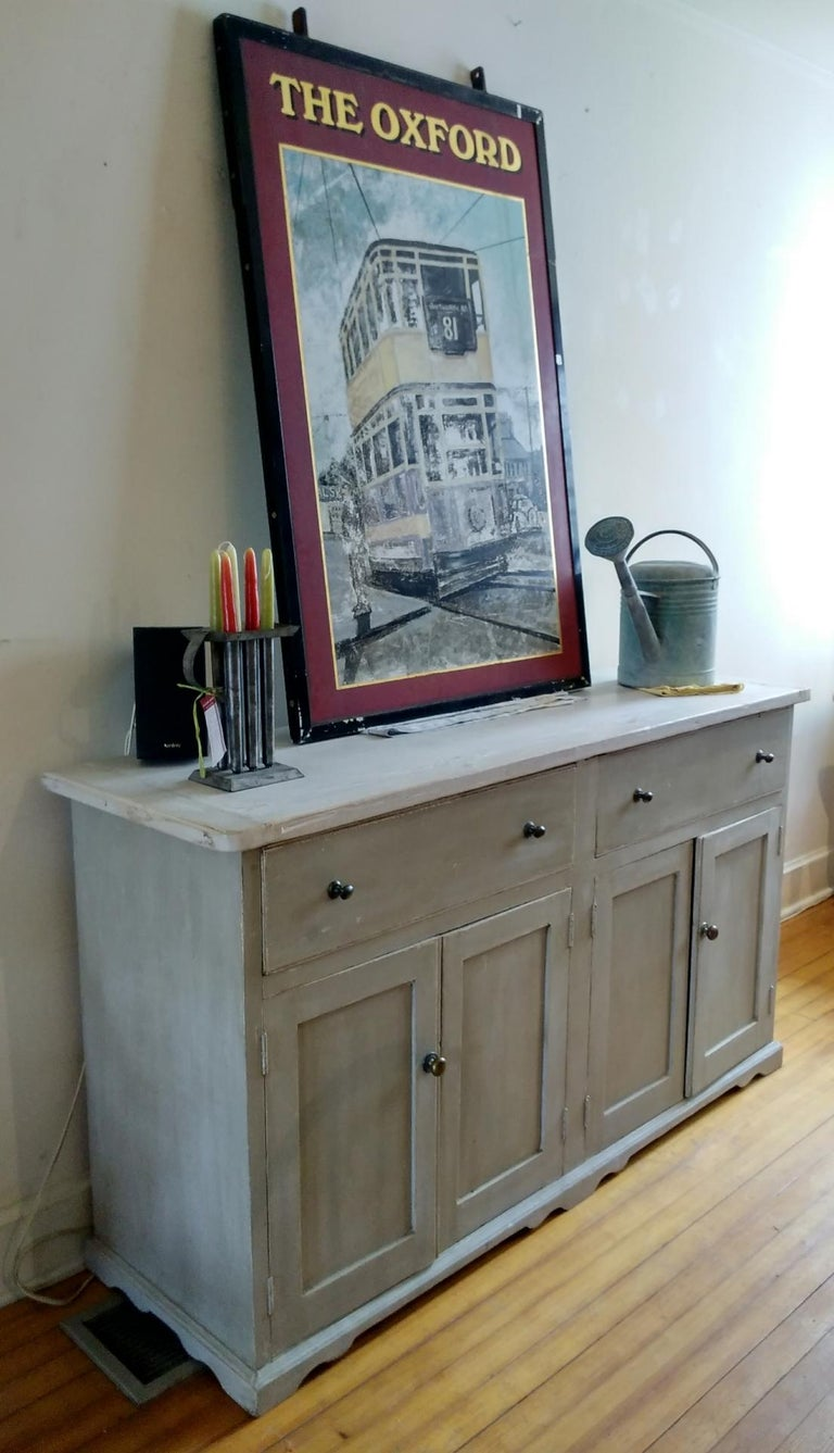 4 door two drawer dresser base In Excellent Condition For Sale In Sheffield, MA