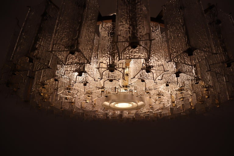 4 Extreme Large Midcentury Chandeliers in Structured Glass and Brass from Europe For Sale 7