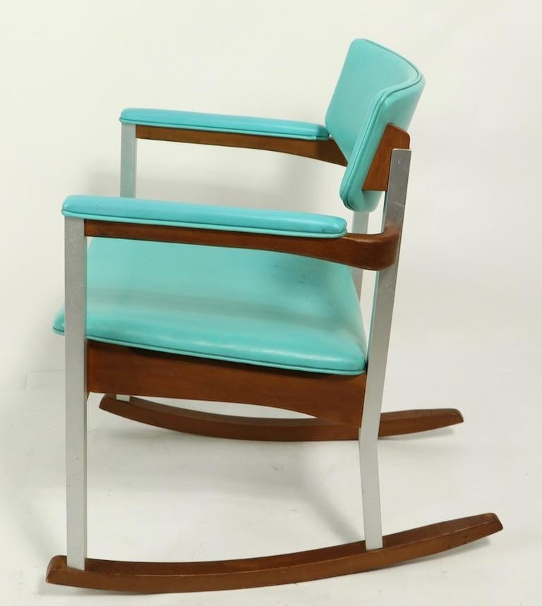 American 4 Mid Century Rocking Chairs by Thonet For Sale