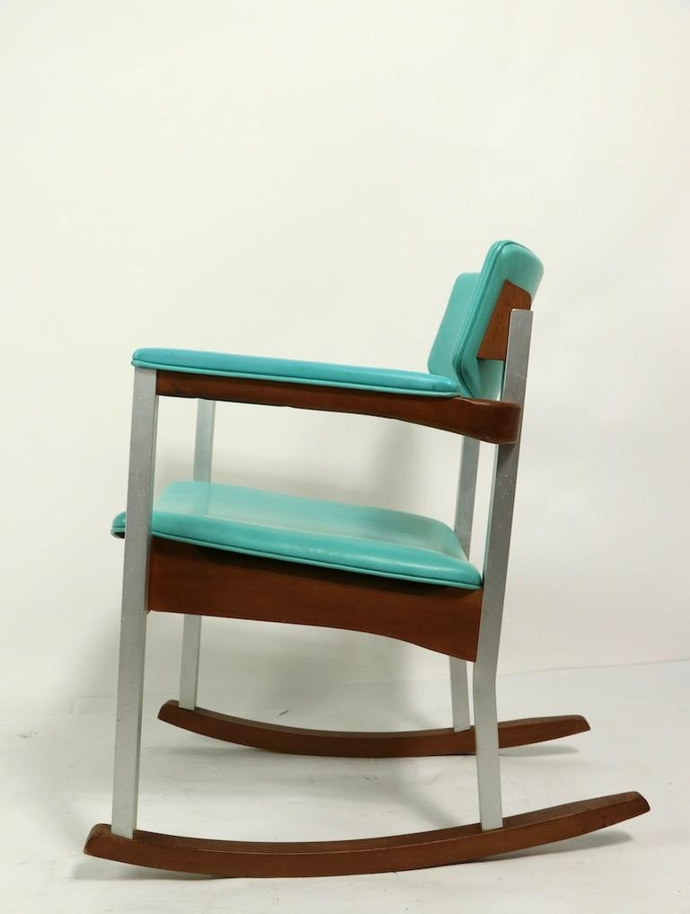 4 Mid Century Rocking Chairs by Thonet In Good Condition For Sale In New York, NY