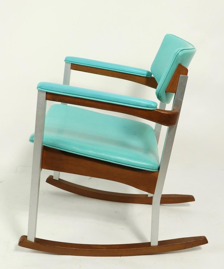 20th Century 4 Mid Century Rocking Chairs by Thonet For Sale