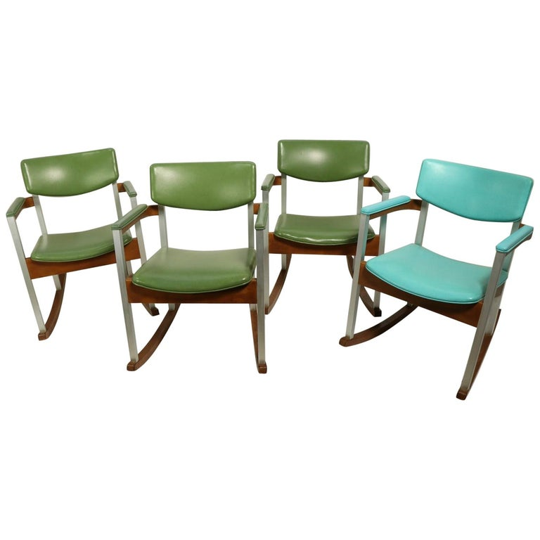 4 Mid Century Rocking Chairs by Thonet For Sale