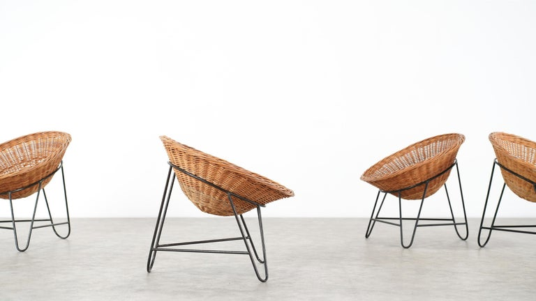 Mid-20th Century 4 Modernist Wicker Chair in style of Mathieu Matégot circa 1950, France Tripod For Sale