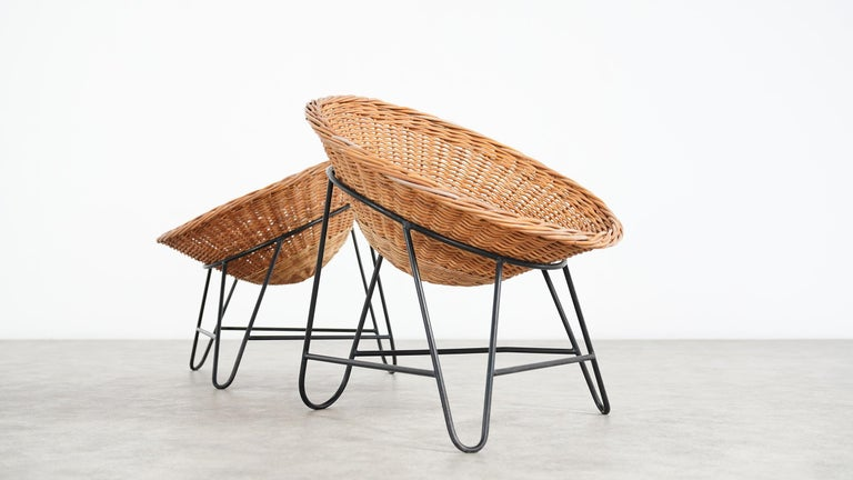 Steel 4 Modernist Wicker Chair in style of Mathieu Matégot circa 1950, France Tripod For Sale