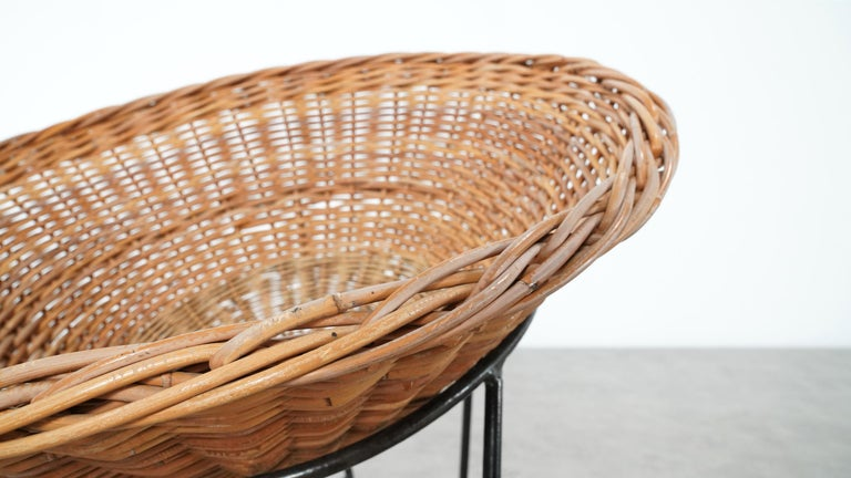4 Modernist Wicker Chair in style of Mathieu Matégot circa 1950, France Tripod For Sale 2