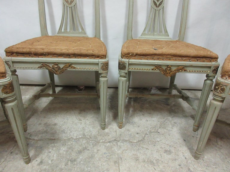 4 Original Paint Swedish Gustavian Side Chairs In Distressed Condition For Sale In Hollywood, FL