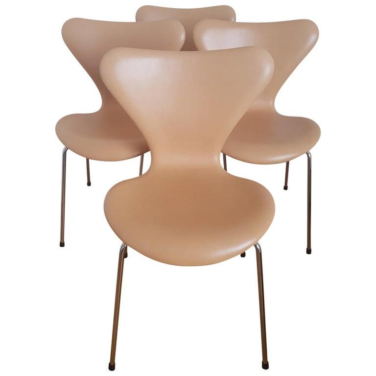 4 Series 7 Stühle Aus Natürlichem Braunen Leder Von Arne Jacobsen