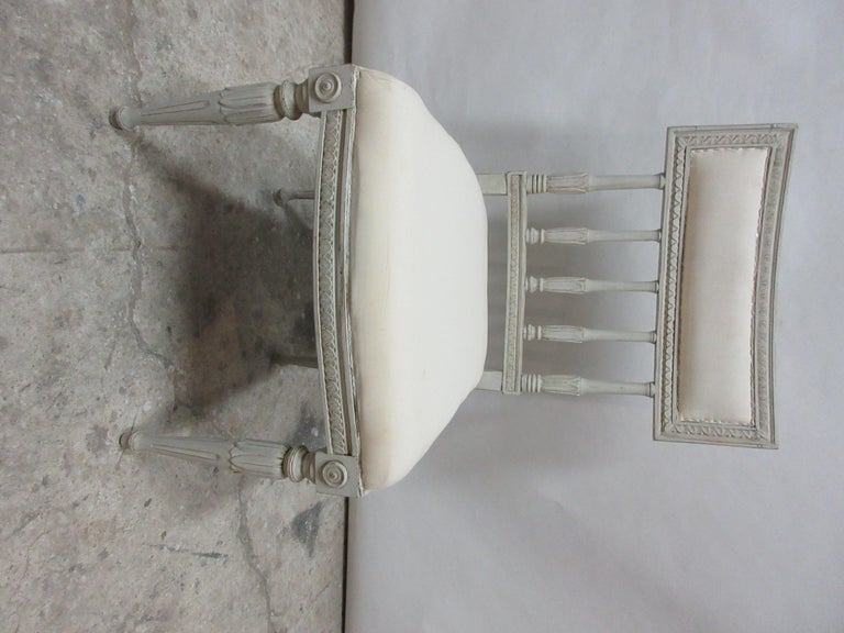 Early 20th Century 4 Swedish Gustavian Side Chairs For Sale