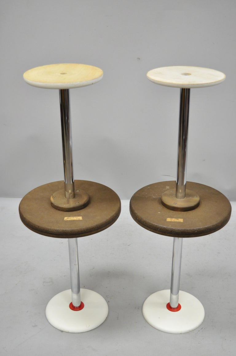 4 Vintage Orange Yellow White Geometric Pattern Round Side Tables by R. Johnson In Good Condition For Sale In Philadelphia, PA