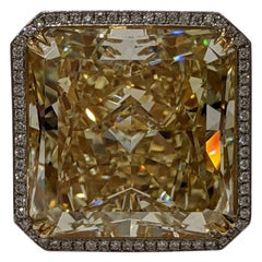 40 Carat Fancy Yellow VS2 Radiant Cut Diamond Ring GIA, Platinum (VIDEO)