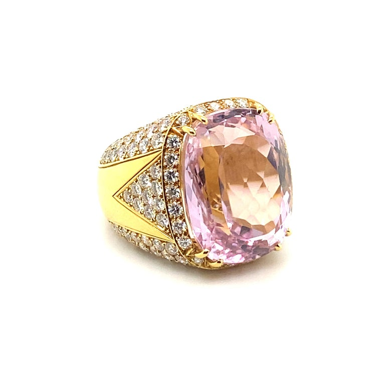 40 Carat Kunzite Ring with 8 Carats of Diamonds In Excellent Condition For Sale In Carlsbad, CA