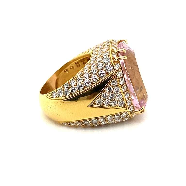 Women's or Men's 40 Carat Kunzite Ring with 8 Carats of Diamonds For Sale