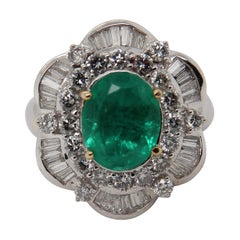 4.00 Carat Emerald and Diamond Cocktail Ring in 18 Karat Gold