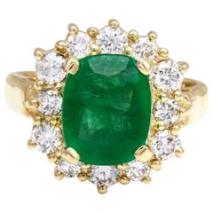 4.00 Carat Natural Emerald and Diamond 14 Karat Solid Yellow Gold Ring