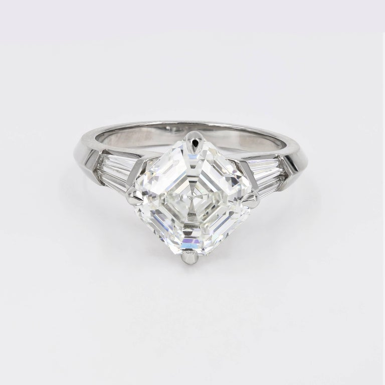 Contemporary 4.01 Carat Royal Asscher Cut Diamond Ring in Platinum, GIA Certified For Sale