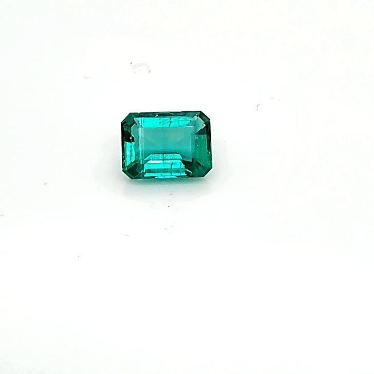 Emerald Cut 2.25 Carats GIA Certified Natural Colombian Emerald Precious Gemstone F1 For Sale