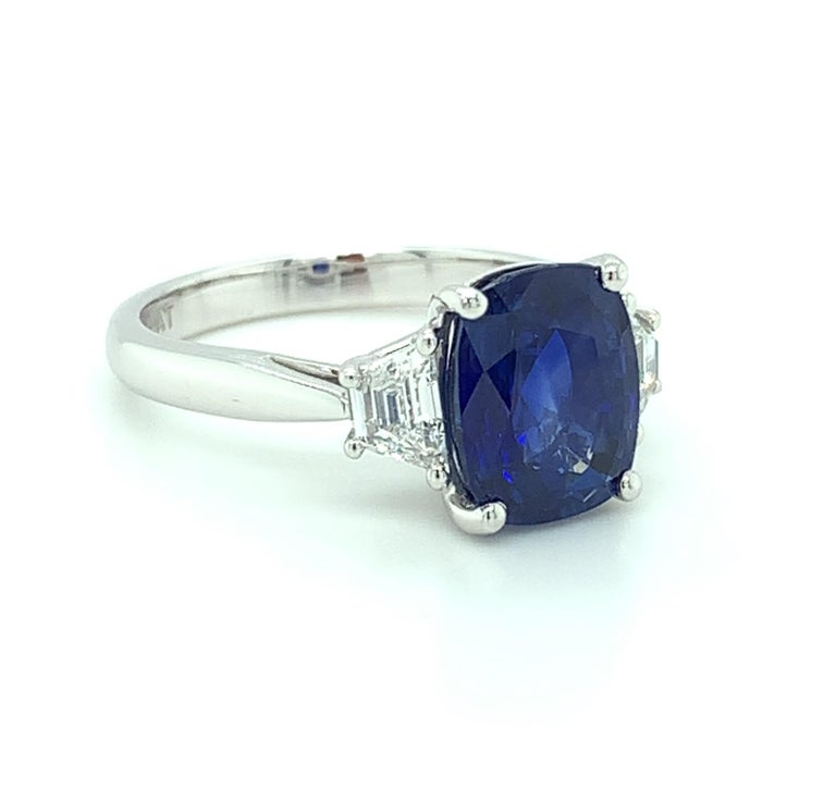 4.05 ct. Unheated Blue Sapphire GIA, Diamond, Platinum 3-Stone Engagement Ring  In New Condition For Sale In Los Angeles, CA
