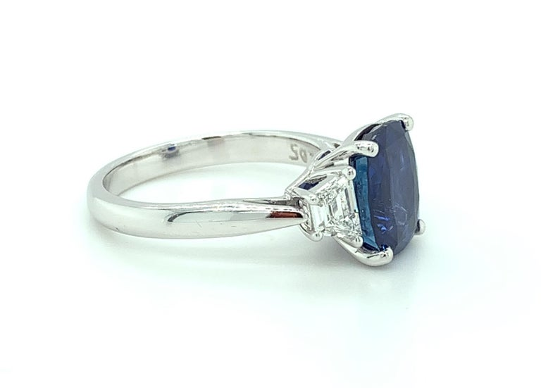 4.05 ct. Unheated Blue Sapphire GIA, Diamond, Platinum 3-Stone Engagement Ring  For Sale 1