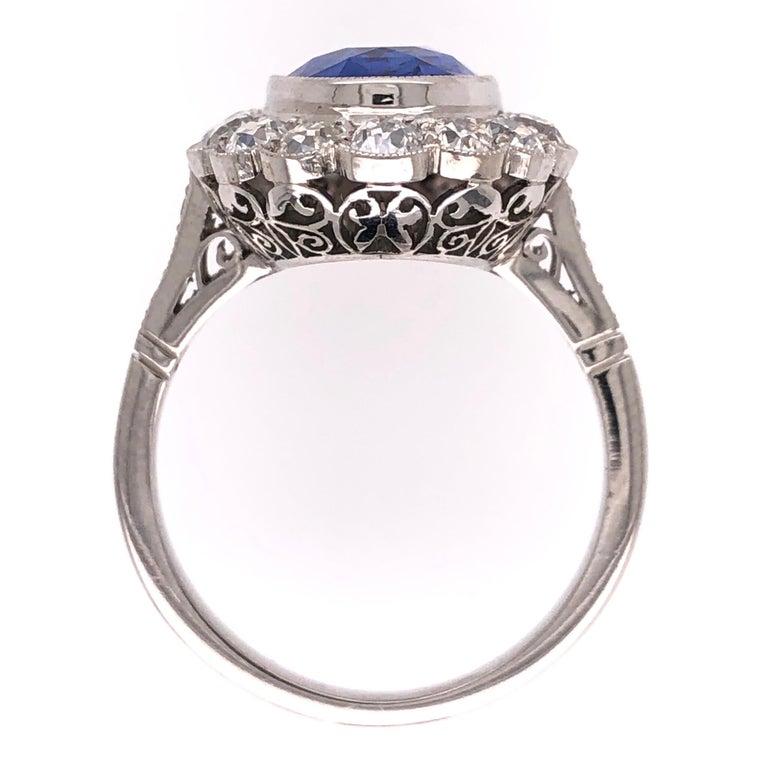 Oval Cut 4.07 Carat No Heat Sapphire and Diamond Platinum Ring Estate Fine Jewelry For Sale