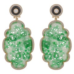 40.94 Carat Green Jade and Black Onyx Diamond 18 Karat Yellow Gold Earrings