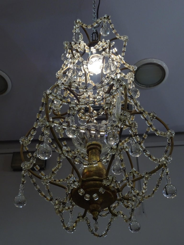 1940s Italian White Glass and Wood Louis XV Style Chandelier For Sale 7