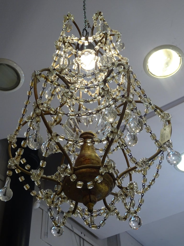 1940s Italian White Glass and Wood Louis XV Style Chandelier For Sale 9