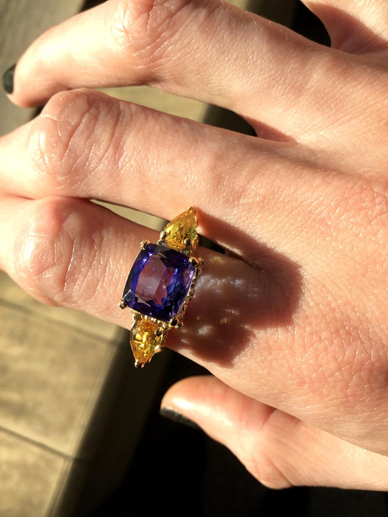 William Llewellyn Griffiths Tanzanite and Yellow Sapphire Starry Night Ring In New Condition For Sale In Fitzroy, AU