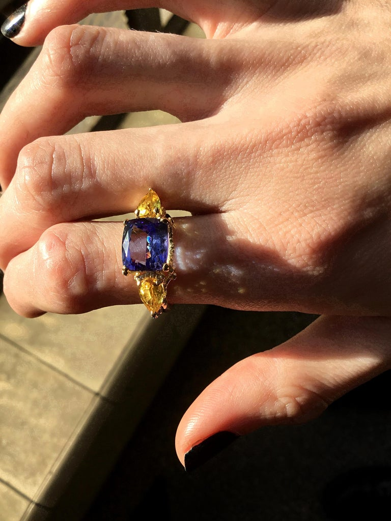 Women's William Llewellyn Griffiths Tanzanite and Yellow Sapphire Starry Night Ring For Sale