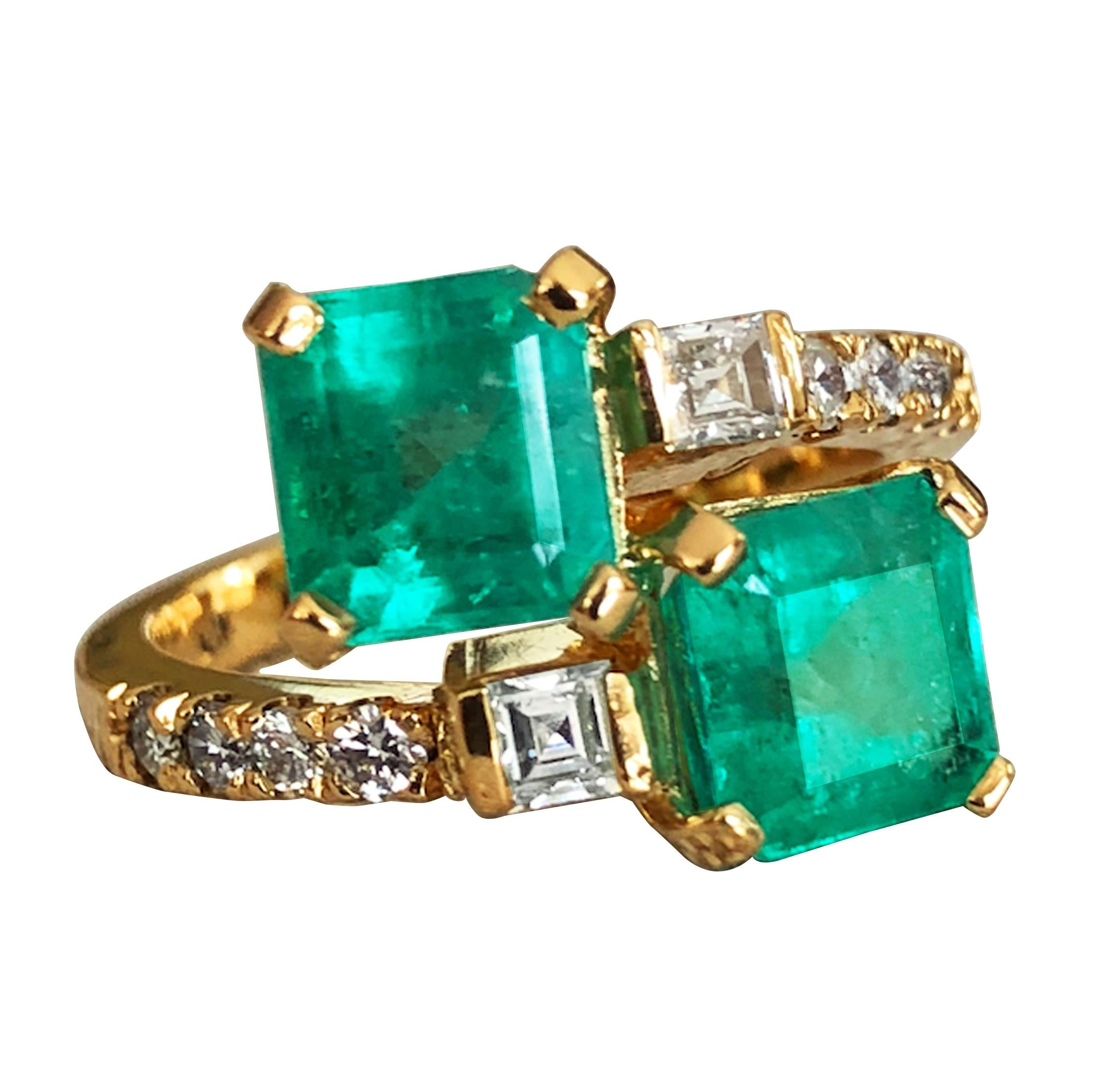 "Colombian Emerald Diamond Bypass ""Toi et Moi"" Ring 18K Gold"