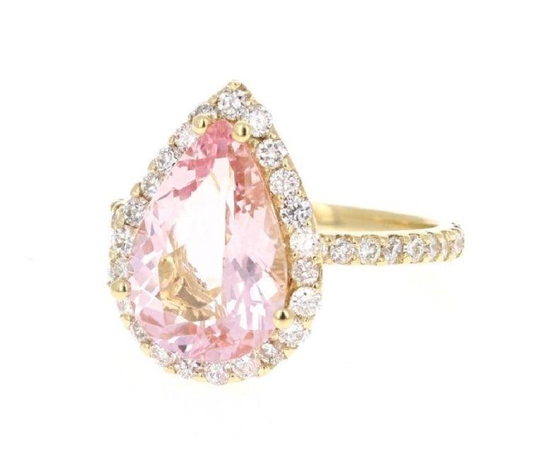 Modern 4.12 Carat Morganite Diamond 18 Karat Yellow Gold Engagement Ring For Sale