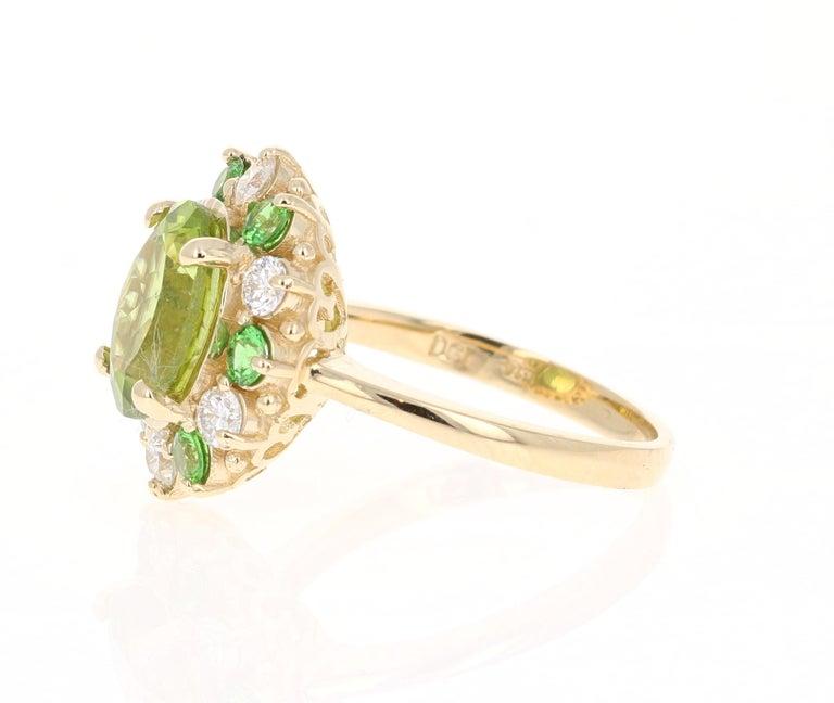 Modern 4.13 Carat Peridot Diamond Tsavorite 14 Karat Yellow Gold Engagement Ring
