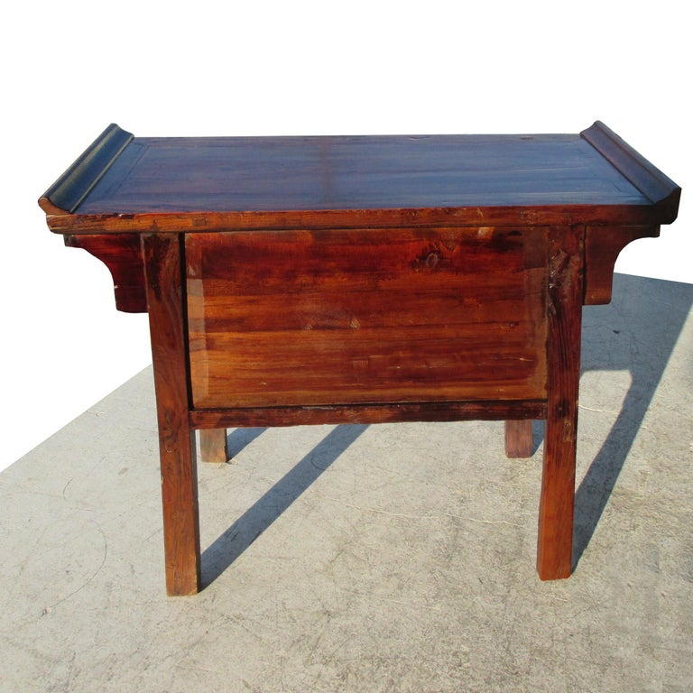 19th Century Qing Period Chinese Alter Console In Good Condition For Sale In Pasadena, TX
