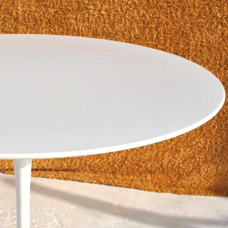 American Contemporary Knoll Eero Saarinen Dining Table For Sale