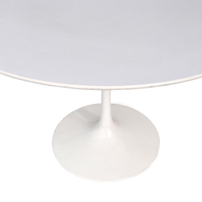 Steel Contemporary Knoll Eero Saarinen Dining Table For Sale