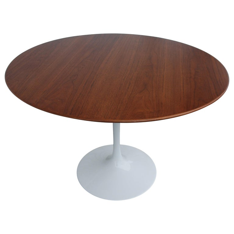 Knoll Saarinen Walnut Dining Table For Sale