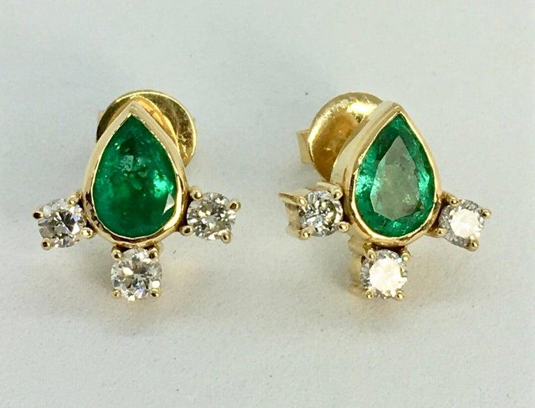 Fine  Vibrant Green Colombian Emerald Pear Cut Diamond Earrings 18K For Sale 2