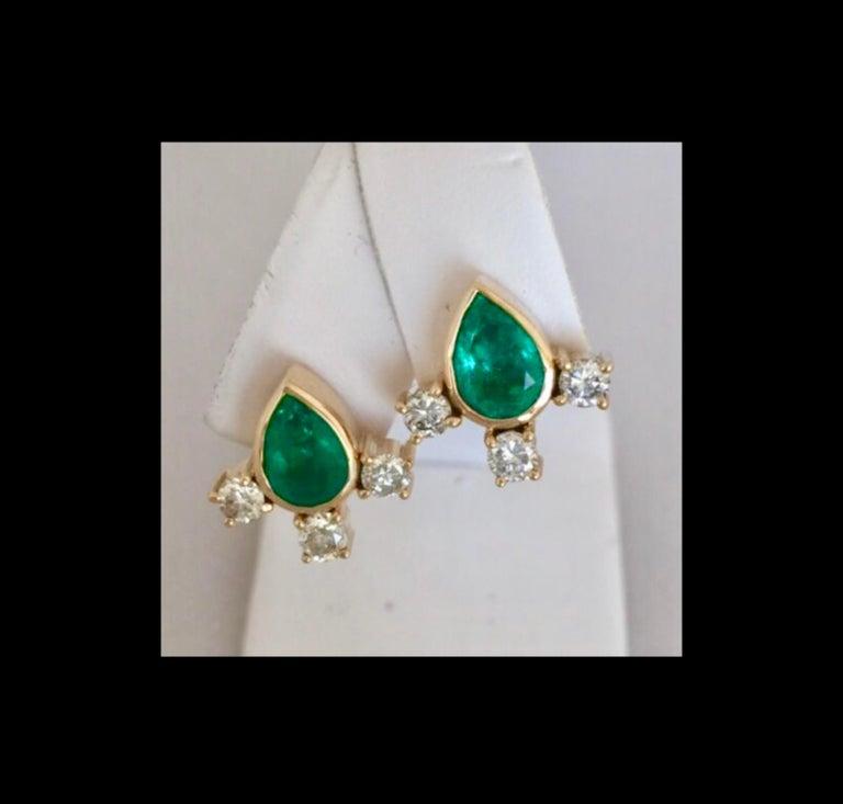Fine  Vibrant Green Colombian Emerald Pear Cut Diamond Earrings 18K For Sale 4