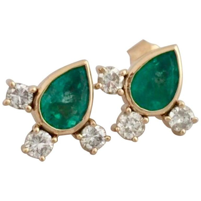 Fine  Vibrant Green Colombian Emerald Pear Cut Diamond Earrings 18K For Sale