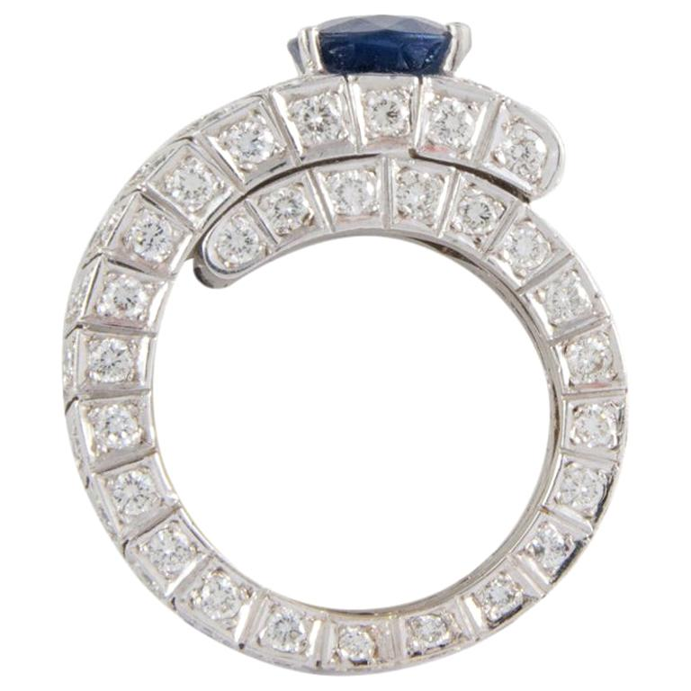 4.20 Oval Blue Sapphire and Diamonds White Gold 18 Karat Cocktail Ring For Sale