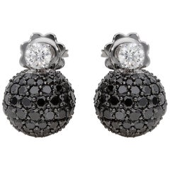 4.23 Carat Black and 0.43 Carat White GSI Diamonds White Gold Boule Earrings