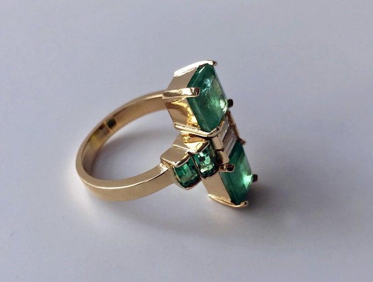 4.24 Carat Fine Colombian Emerald Diamond Art Deco Style Ring 18K For Sale 1