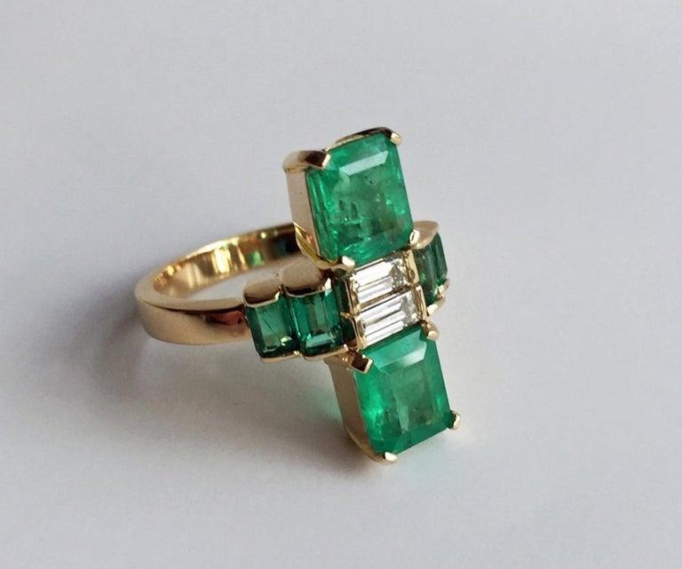4.24 Carat Fine Colombian Emerald Diamond Art Deco Style Ring 18K For Sale 2