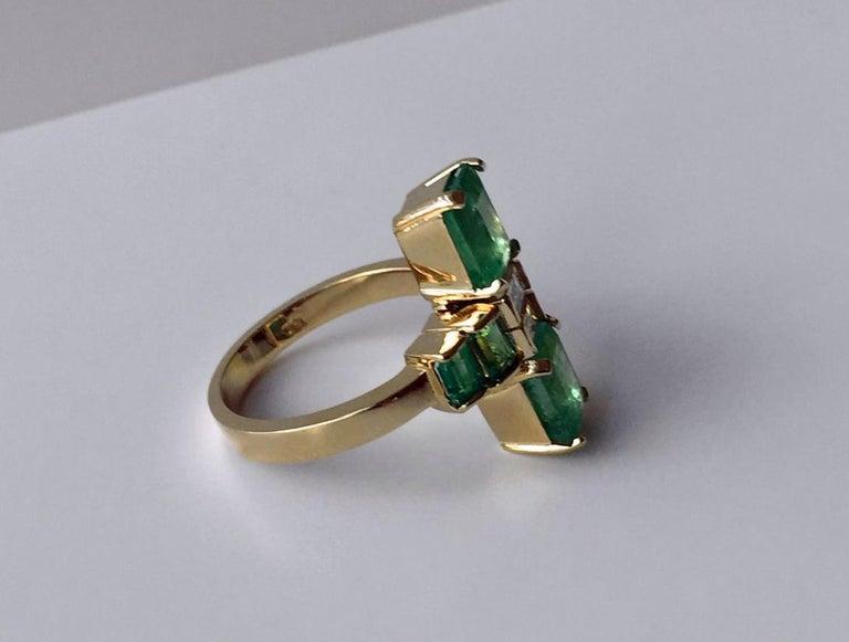 4.24 Carat Fine Colombian Emerald Diamond Art Deco Style Ring 18K For Sale 4