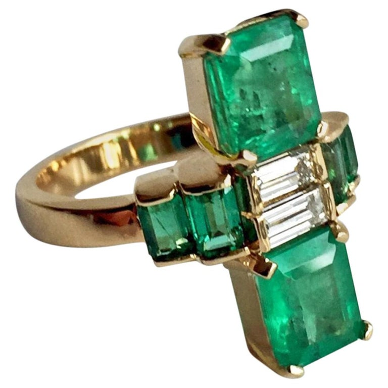 4.24 Carat Fine Colombian Emerald Diamond Art Deco Style Ring 18K For Sale