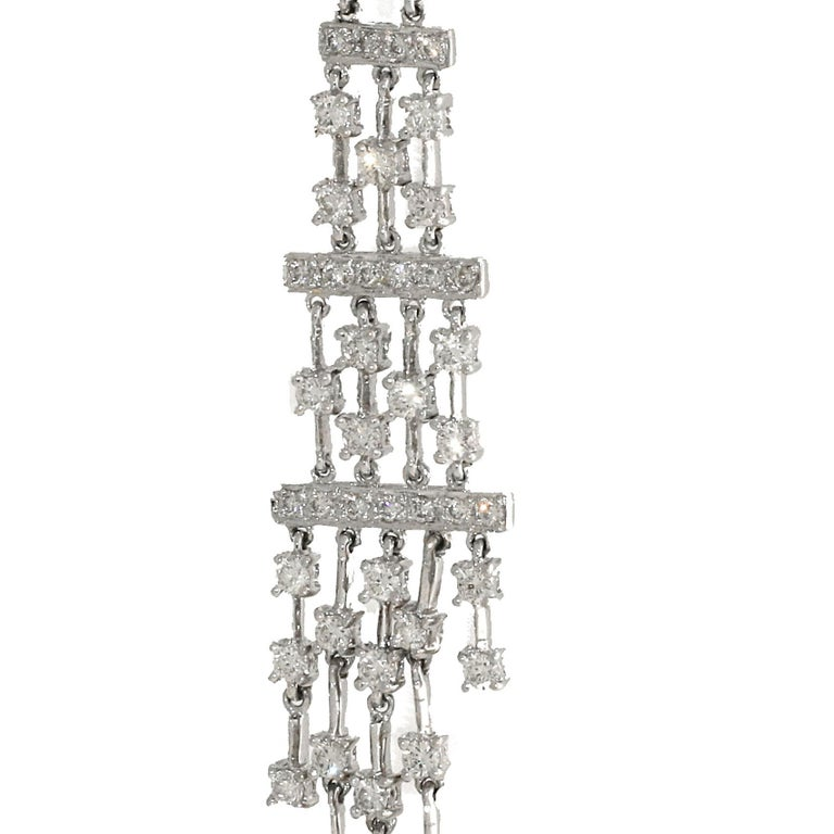 4.25 Carat White Diamond Dangle Chandelier Earrings, White Gold In Excellent Condition For Sale In Beverly Hills, CA