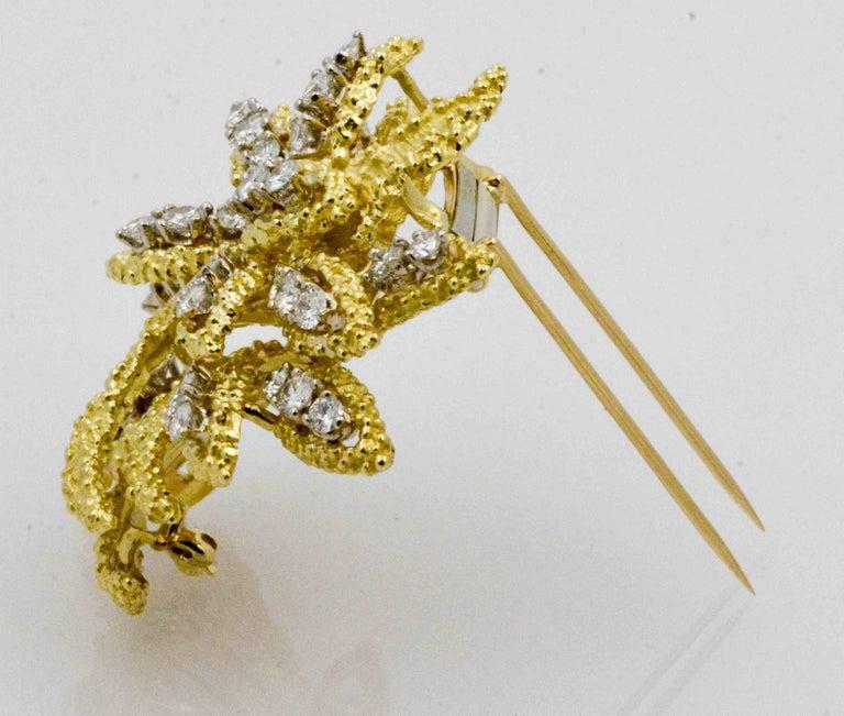Modern 4.27 Carat Diamond 18 Karat Yellow Gold Brooch For Sale